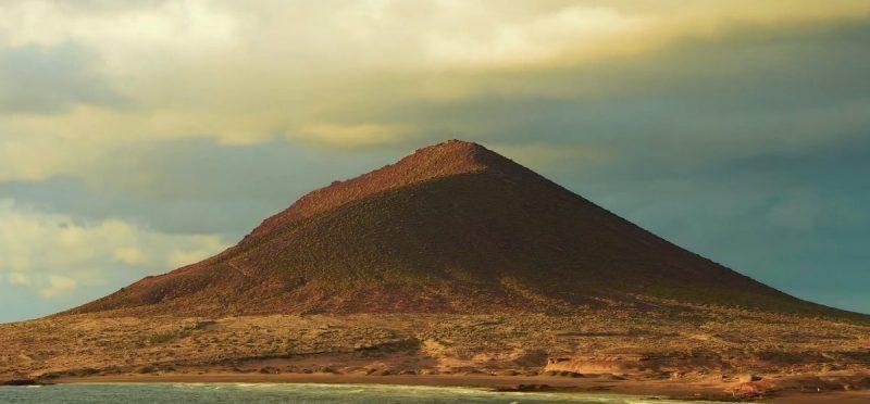 montaña roja tenerife medano canarias