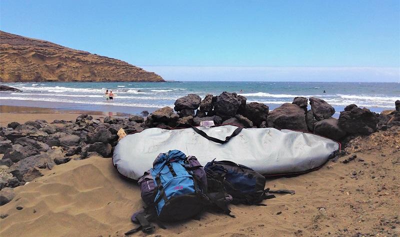 surf playa montaña pelada
